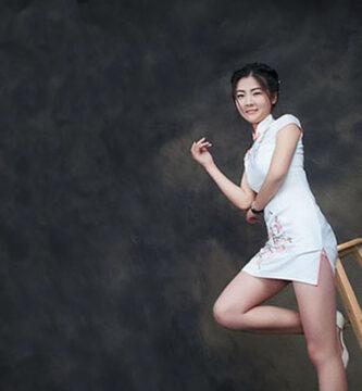 También conocido como Qipao para uso de la mujer
